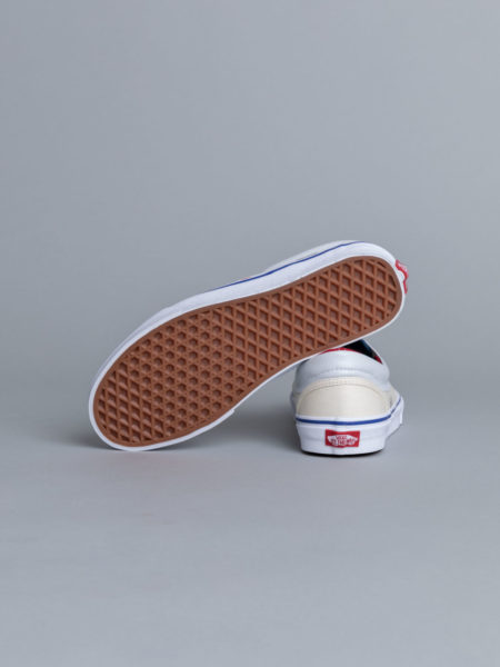 Vans Classic Slip-on Outside in Natural store